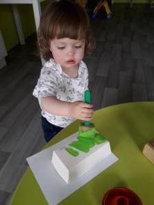 Bakjes verven voor Pasen (1-2 jarigen)