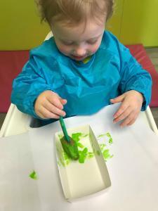 Pasen bakjes verven (1-2 jarigen) deel 2