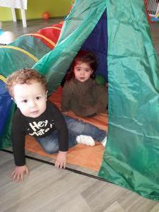 Wij verstoppen ons in de tent (1-2 jarigen)